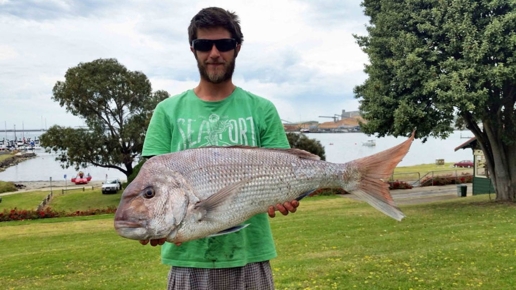 lucas-faravoni-8kg-lee-snapper-on-squid